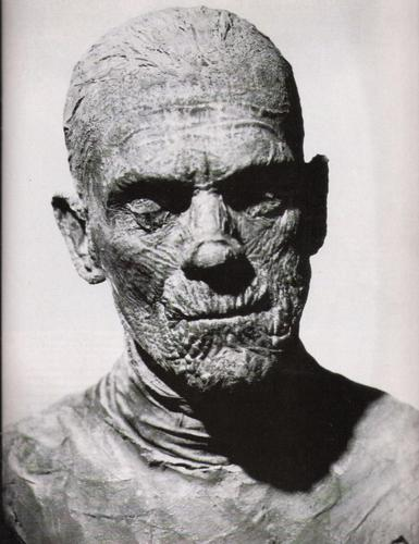 Boris-Karloff-Imhotep-universal-monsters-11054086-385-500